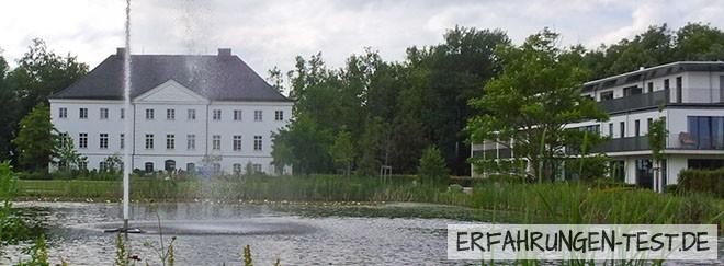 Hotel Schlossgut Schwansee Schloss und Neubau daneben